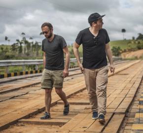 Sébastien Kopp (left) and François-Ghislain Morillion (right), VEJA co-founders, during a trip in the Amazon forest. © Veja/ Ludovic Careme